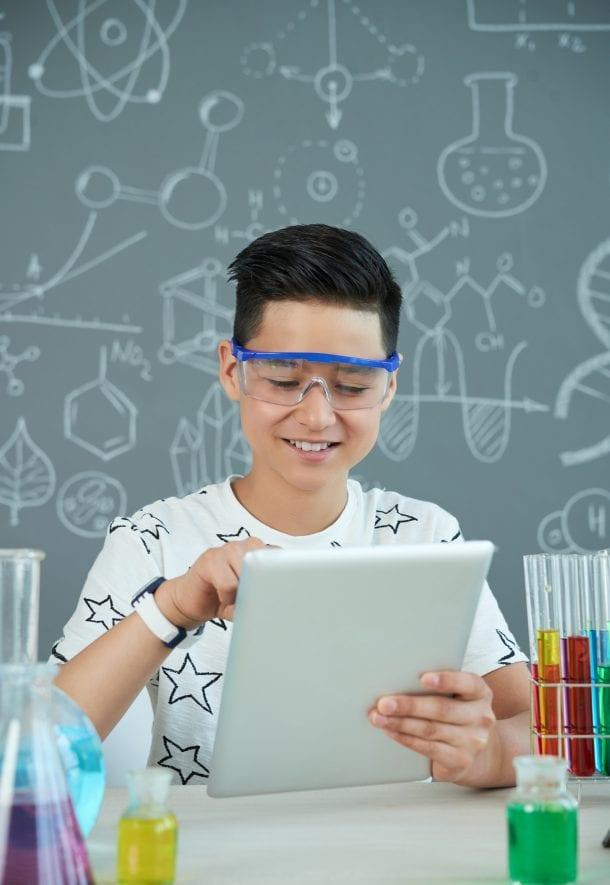 Acces la internet pentru profesori și elevi la cele mai înalte standarde - Cisco Meraki